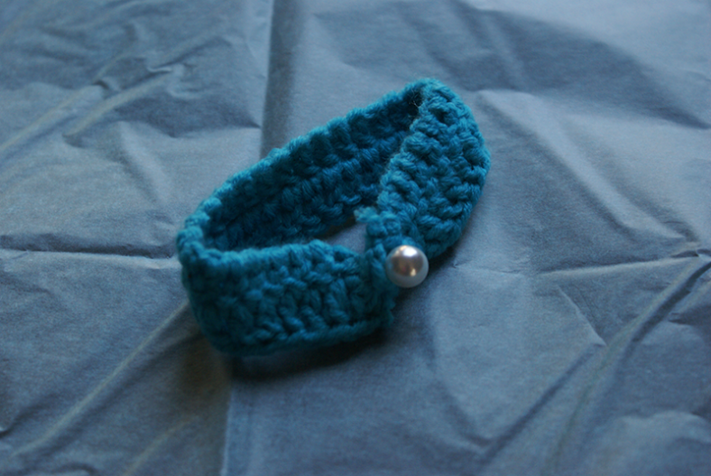 Blue Bracelet with Pearl Detail